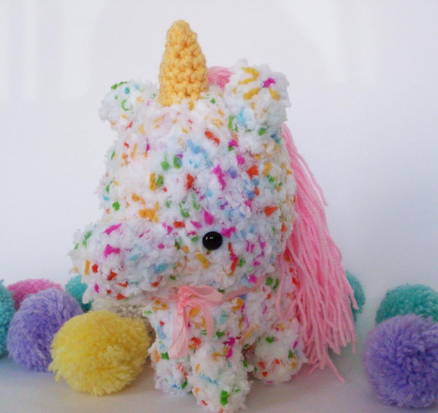 unicornio suavecin confeti